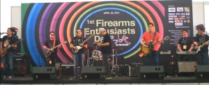 No gun blast, just sound blast: Midlife Crisis entertains gun enthusiasts with their version of classic rock anthems. (Photo by IGG)
