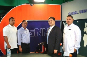Practical Business: Cayco along with two TASK graduates, Mar Fabro (extreme left) and Roque (extreme right) were guests on the GNN talk show Practical Business with Miguel Gil. They discussed careers in private security.(Photo by IGG)